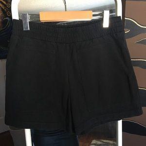 Aritzia Wilfred Free Dioni Shorts Pockets